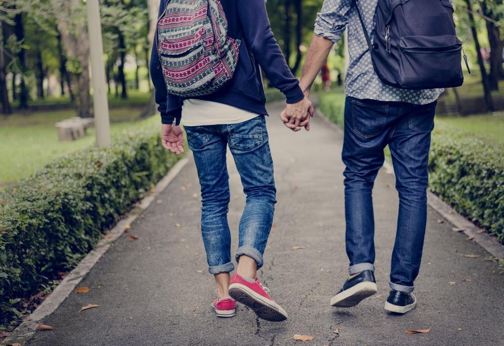 application de rencontre gay history à Saint Étienne
